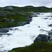 Honza Havelka at Hardangervidda... 📸 @zet_kayaks . . . . . #inwaterwelive #weareoutthere #whitewaterkayaking #paddling #norway #kayaking #expedition