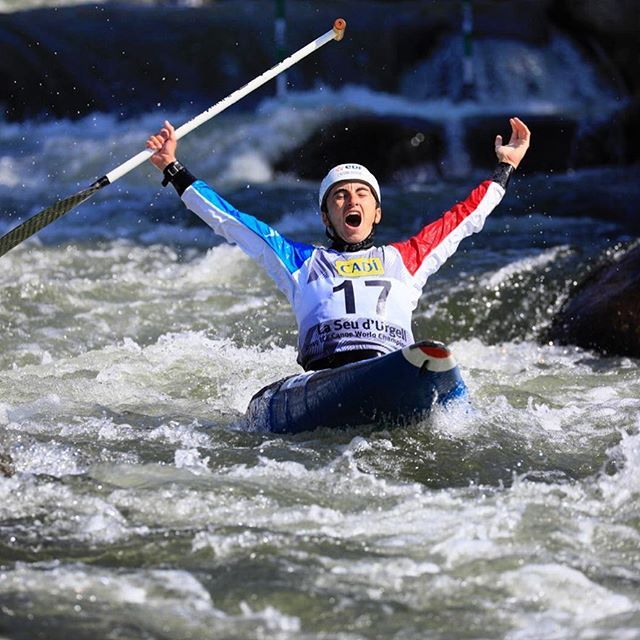 What a performance!!!! Congratulations Cedric - the new World Champion!!!🥇🌎🇫🇷 . . . . . 📸@martin_hladik for @czechcanoe  #inwaterwelive #weareoutthere #canoeslalom #planetcanoe #worldchampion