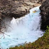 Vlevo strom, vpravo Kořen. 🇬🇧sorry, this can't be translated, enjoy the photo. . . . . . #inwaterwelive #weareoutthere #whitewater #norwaykayak #waterfall