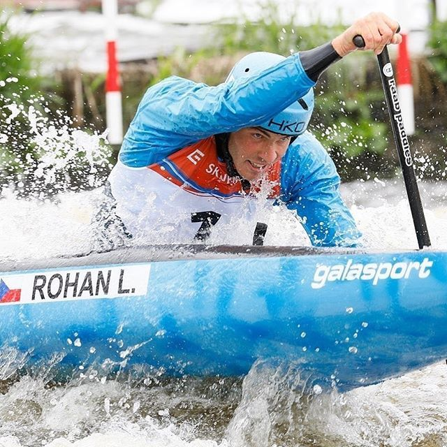 @lukas.rohan got the job done early today. Congrats on making the team🇨🇿! 📸 @martin_hladik . . . . . #inwaterwelive #weareoutthere #hikoteam #czechteam #selectionraces #planetcanoe #canoeslalom