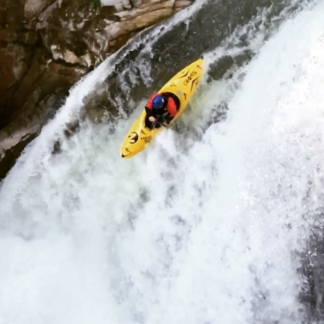 Boofing is 90% timing and 10% perfect timing. . . . . . . #inwaterwelive #weareouthere #whitewater #waterfall #canoe #kayaking #c1 #austria🇦🇹
